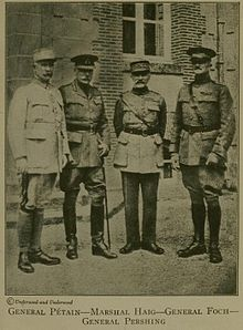 Phillipe Pétain (far left)