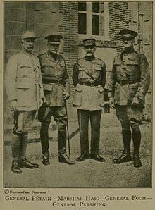 Phillipe Pétain (far left)