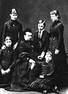 The future Alexandra (lower right) with her siblings and grandmother Victoria