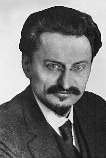 220px-LeonTrotsky1929